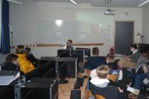Online Vortrag unserer Gruppe in der Klasse