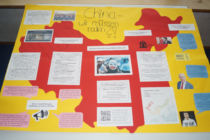 Erstelltes Plakat der Schüler zur Lage der Uiguren